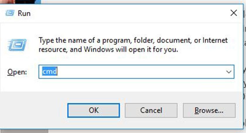 sử dụng tổ hợp phím Windows + R