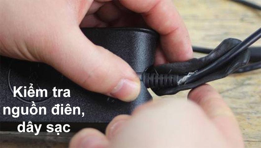 Cách sửa lỗi laptop sạc pin không lên phần trăm