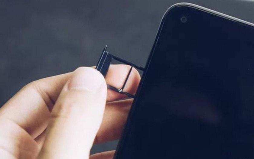 Cách lắp thẻ sim điện thoại Vsmart