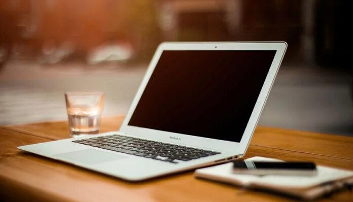 Màn hình laptop bị đen - xử lý như thế nào?